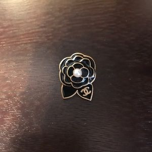 RARE chanel Camilla flowers brooch pin gold